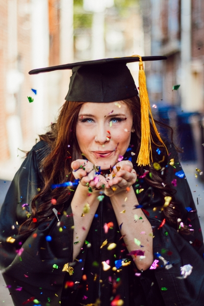 5 marketing careers that pay $100k from graduation
